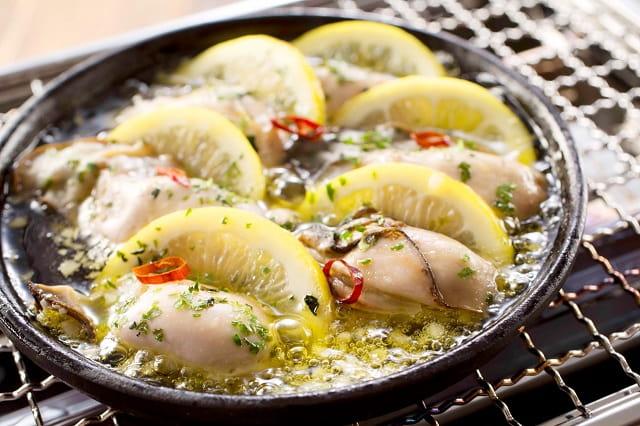 真牡蠣のレモンアヒージョ